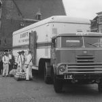 1957: DAF 2000 DO op de kaasmarkt in Alkmaar